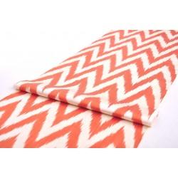 Ткань персиковым оттенком