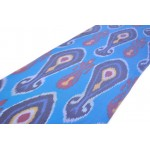 Голубая шелковая ткань