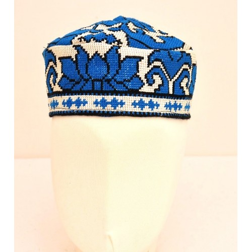 Тюбетейка голубая вышивка