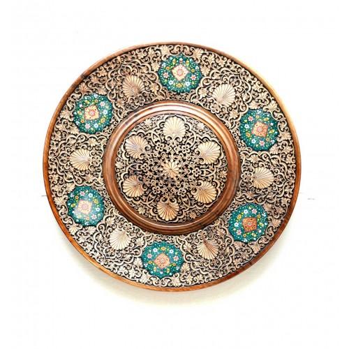 Декоративная тарелка из дерева