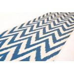 Ткань с синем зиг-загом
